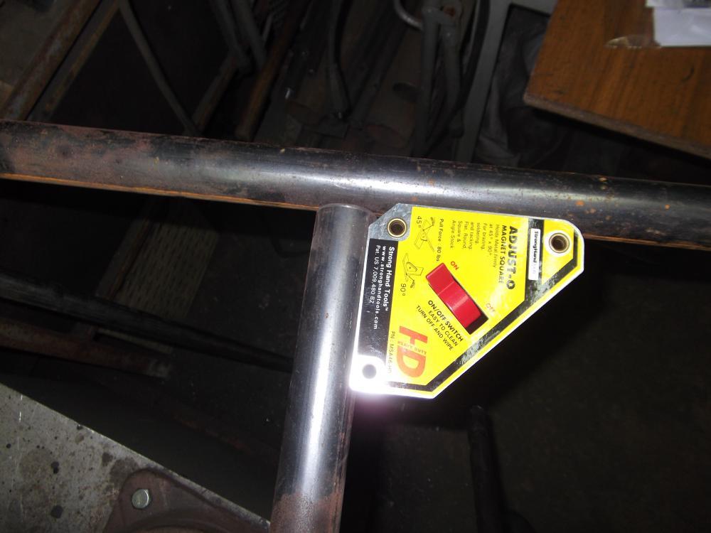 magnitnyj-ugolnik-dlja-svarki-podbor-pravilnogo