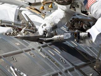 astronavt-kosmonavt-remont